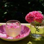 夏の楽しみ バラのビネガーとシロップで作るソーダとスイーツ