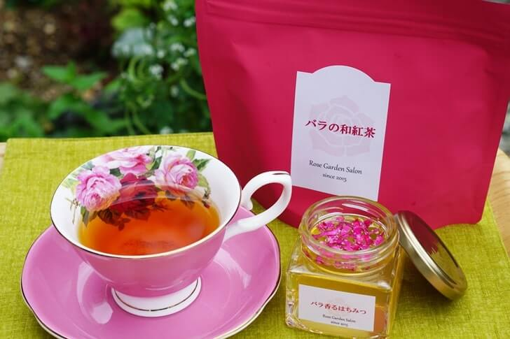 rose-tea-honey